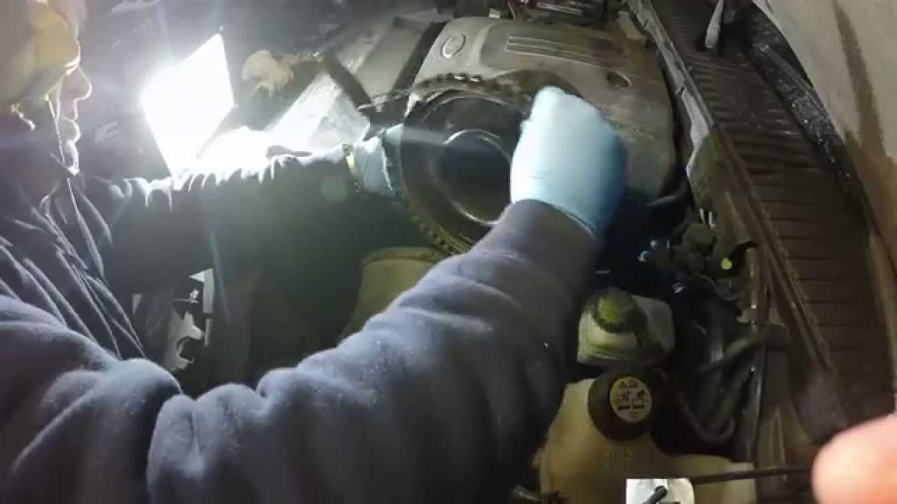 How To Clean The Mass Air Flow Sensor On A 2004 Ford Expedition Youtube