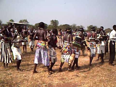Anywak traditional dance