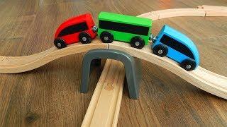Поезд и Деревянная Железная дорога Обзор и Распаковка игрушек Видео для детей про машинки игрушки