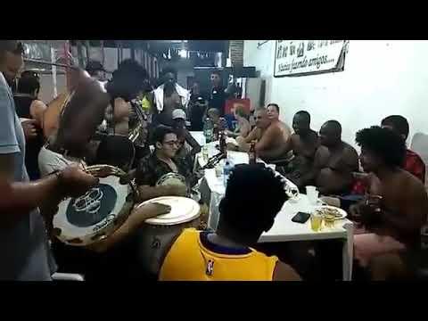 Roda de samba e descontração com Chacal do Sax Ubirany e amigos