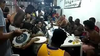 Baixar Roda de samba e descontração com Chacal do Sax, Ubirany e amigos.