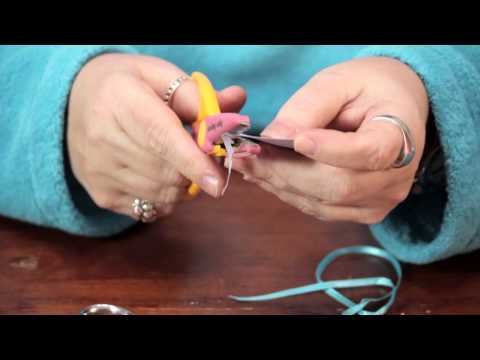 How to Make Cute Round Tags With Scalloped Edges : Custom Crafts