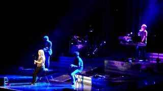 Kelly Clarkson - Tonight I Wanna Cry (Keith Urban Acoustic Cover) @ Acer Arena 17 April 2010
