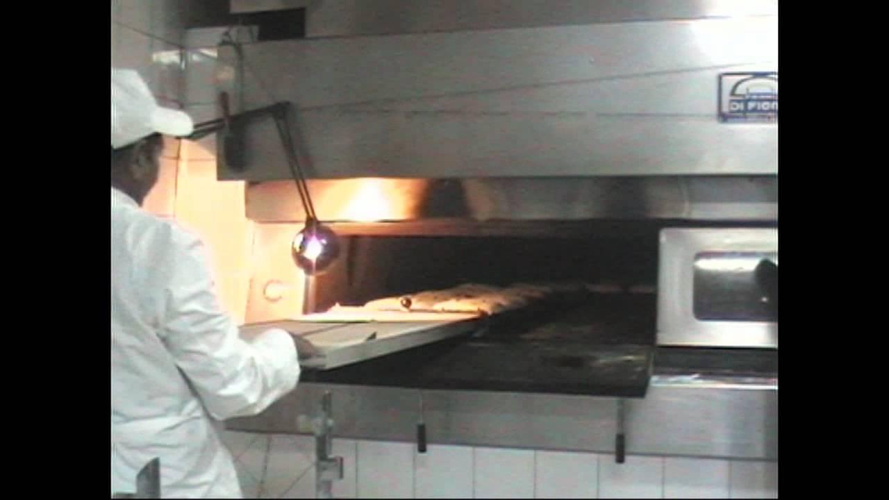 Forno a legna per panificio wood fired oven bakeries di for Sportello per forno a legna