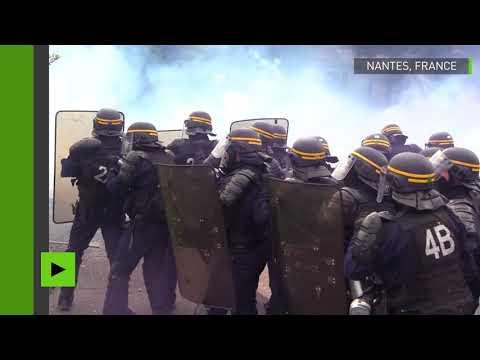 France : violents affrontements à la manifestation pro-zadistes à Nantes