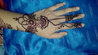 Short and Quick Jewellery Mehndi Design by Shimmi
