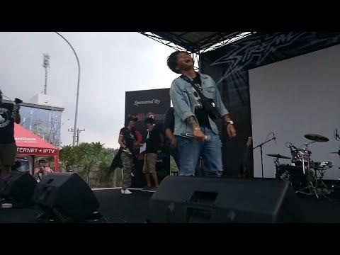 No Smile Singgung Reza Arap!!? (Live MEDAN ) Ericko Lim