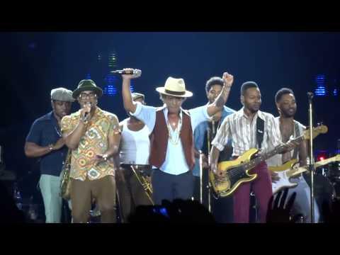 Bruno Mars - Treasure (The O2 Arena London live)