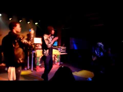 Aidonia - Empty & Rass It Up (live 2012) [HD]