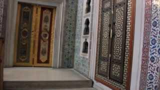 #Гарем во дворце Топкапы #Стамбул #Istanbul #kukmor #lj #жж(Подробнее в фото-прогулке по гарему http://kukmor.livejournal.com/1042386.html 2-я серия: http://kukmor.livejournal.com/1042705.html Представление..., 2013-10-26T13:00:29.000Z)