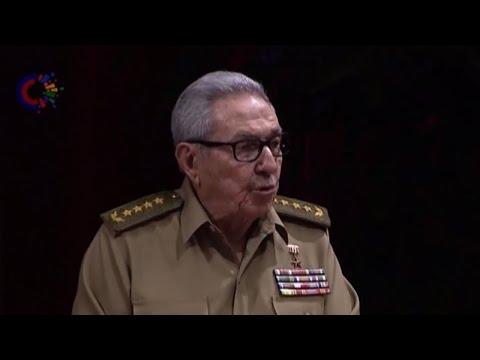 """Raul Castro lascia la scena chiedendo """"rispetto"""" fra Usa e Cuba"""