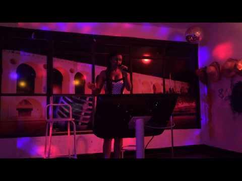 Flávia [Karaoke] - Ovelha Negra (23-dez-2015)
