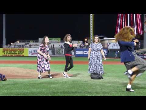 Elaine Dance Contest-Brooklyn Cyclones Seinfeld Night 3 July 2, 2016
