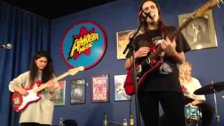 Hinds - Chili Town live @ Amoeba Records, SF - March 29, 2016