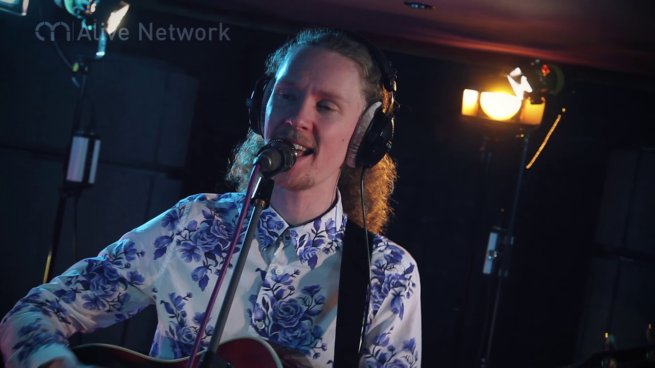 Bandit 'Faith' / George Michael (Cover) Live Wedding Band London - Hire at AliveNetwork.co