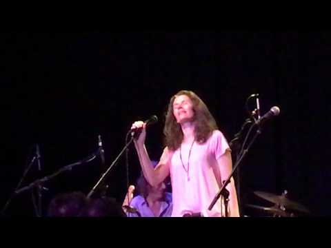 Edie Brickell & New Bohemians ~ Circle