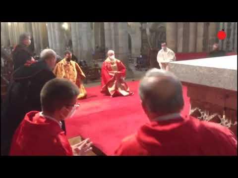 Misa de Viernes Santo desde la Catedral de Ourense