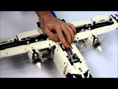 LEGO Technic 42025: Грузовой самолёт