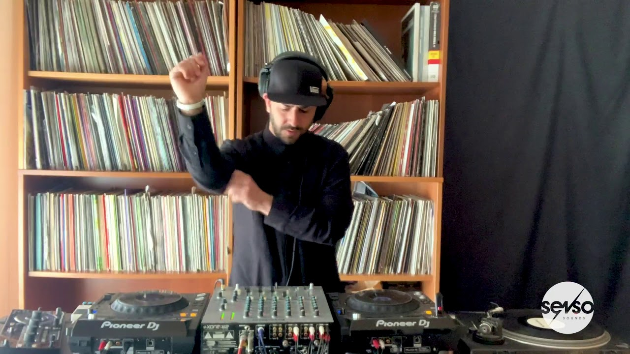 Download Frankyeffe - Senso Sounds Bedroom Session
