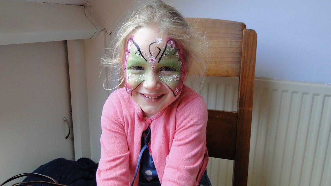 Top Cristel Schminkt een vlinder - schminken - schminkvoorbeeld  @OV62