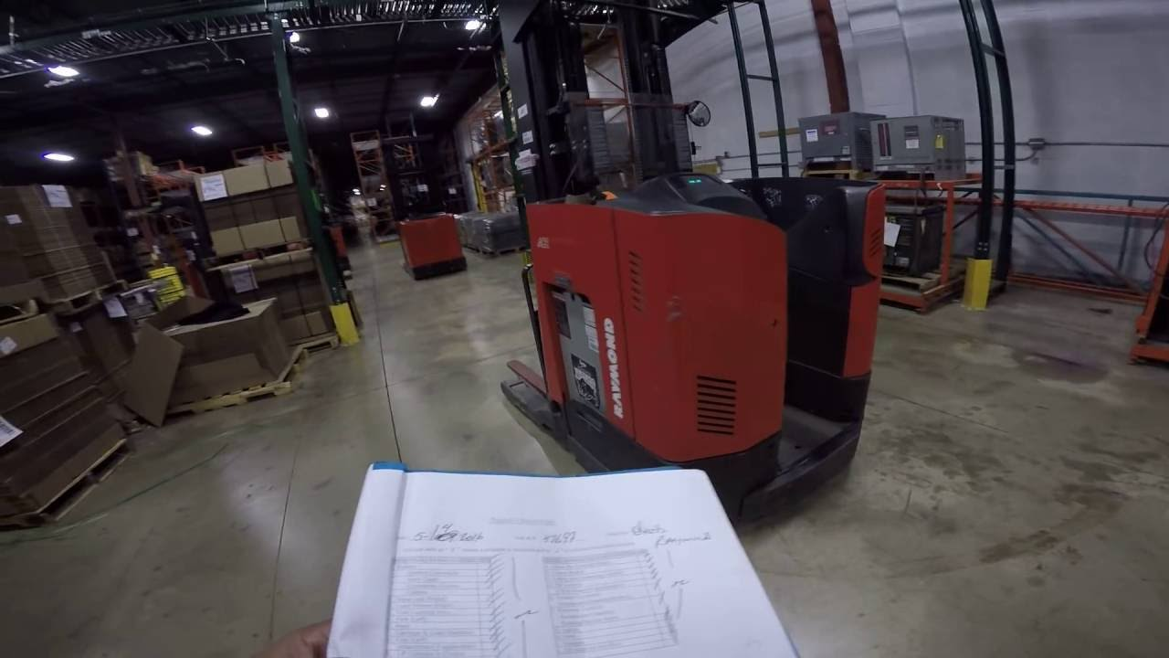 How to Charge a RAYMOND REACH FORKLIFT & Circle Check HD