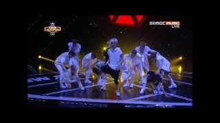 Download Video Kai (EXO) Waist injury during Wolf performance MP3 3GP MP4