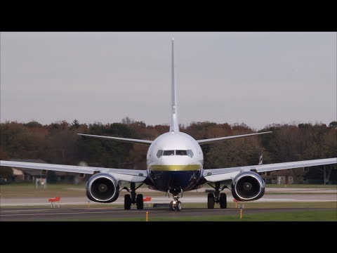 Miami Air Boeing 737 Landing Oakland County Airport | N749MA | HD Video