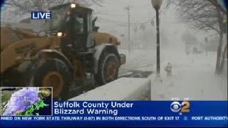 Snow Falling Hard On Long Island