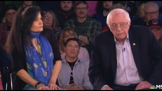 Repeat youtube video Bernie DESTROYS Trump Voters at Town Hall, They Don't Even Realize It