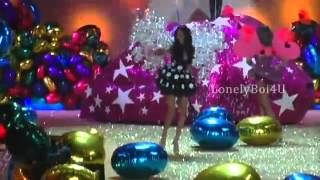 Victoria Secret Fashion Show 2010 Unedited   Segmento 6   Pink Planet  Finale  Live HD    YouTube(video k eliminaron hace tiempo y k pude rescatar., 2013-11-19T21:24:21.000Z)