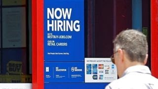 US economy adds 209K jobs in July thumbnail