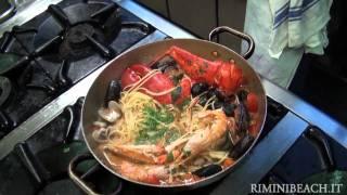 Ricetta Spaghetti allo Scoglio con Grillo Ristorante il Portico Riccione