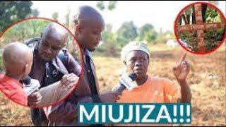 MAAJABU Mtoto Aliyefariki Afufuka, Akutwa na Ulimi Mrefu na Makucha Marefu