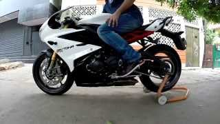Triumph Daytona 675-R Quick Shifter Demo