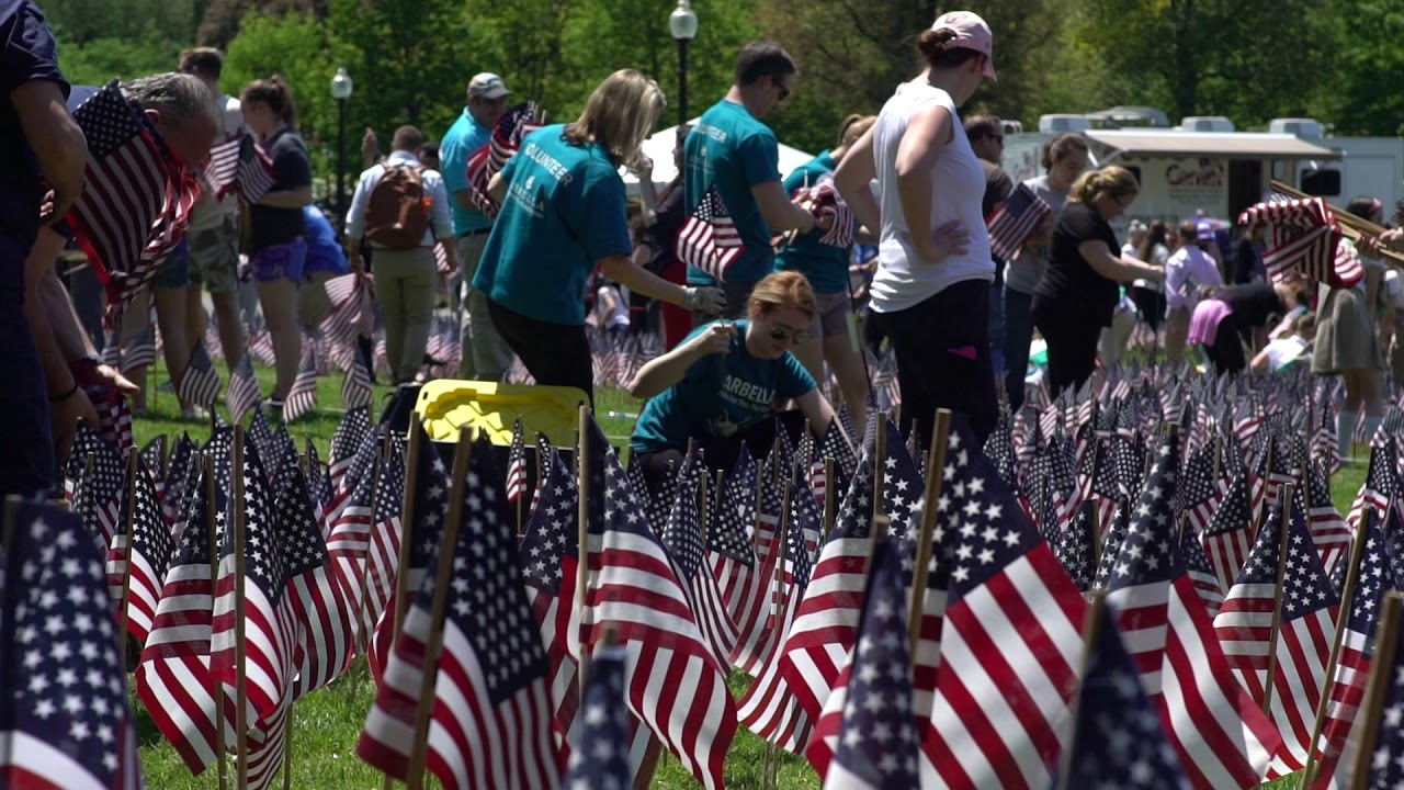Memorial Day 2020: How to hang American flag to honor military ...