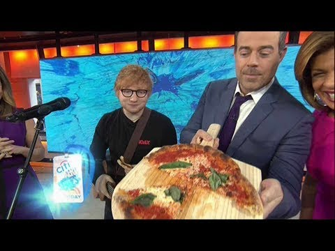 Download Ed sheeran can't resist snatching slices of pizza behind the scenes at today
