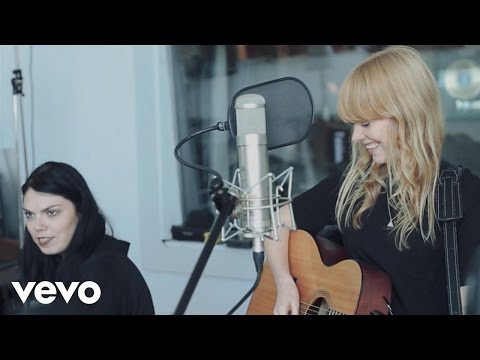 Lucy Rose - Shiver (Live At Urchin Studios)