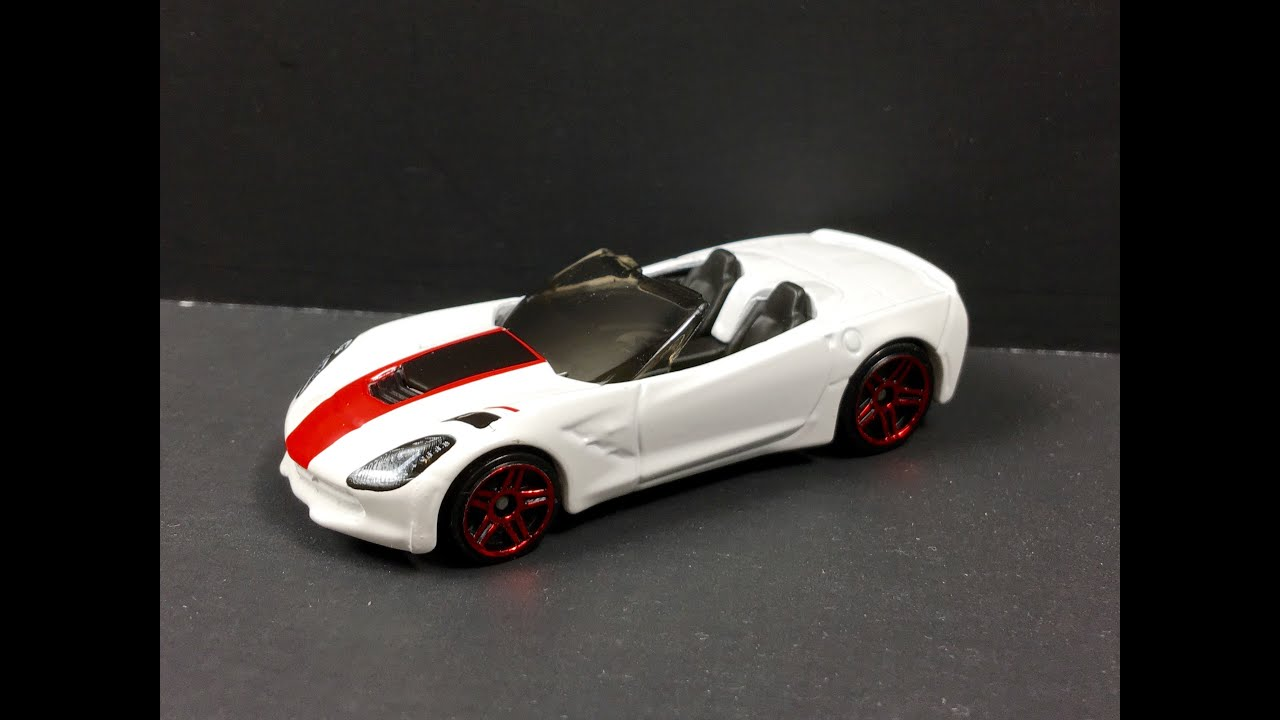 Hot Wheels White Corvette Stingray C7 1 64 Review