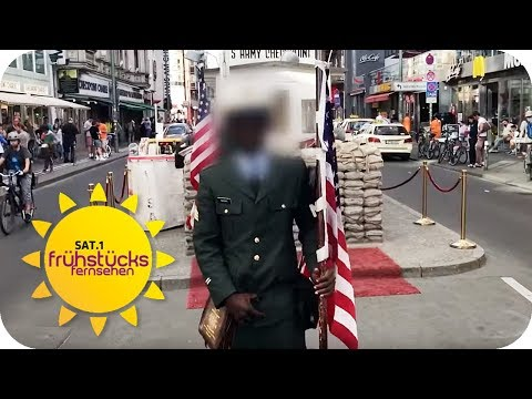 TOURI-ABZOCKE: Ein Foto vom Checkpoint Charlie kostet 3 €! | SAT.1 Frühstücksfernsehen | TV