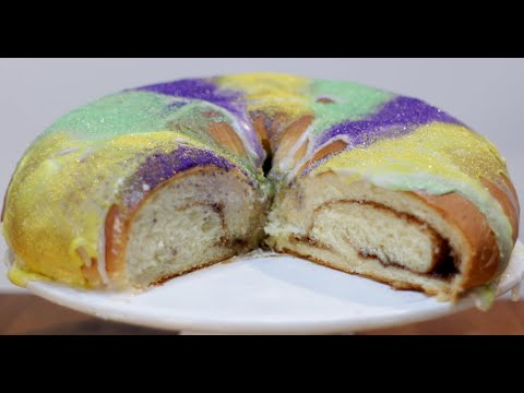 how-to-make-king-cake-|-easy-mardi-gras-king-cake-recipe