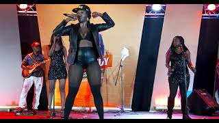 Cindy sanyu live at Comedy store