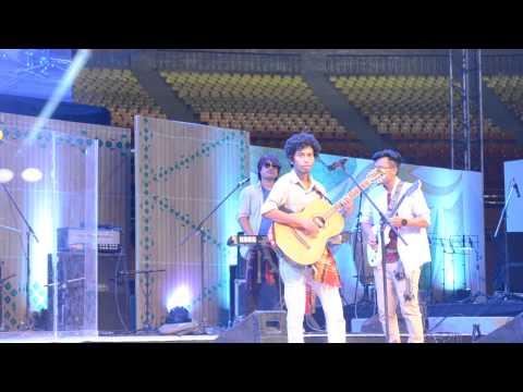 Masing Jora (Koloma Band  performing at Indira Gandhi indoor stadium Delhi)