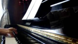 関ジャニ∞の「cinematic」を耳コピしてピアノで弾きました。 前半の方が...