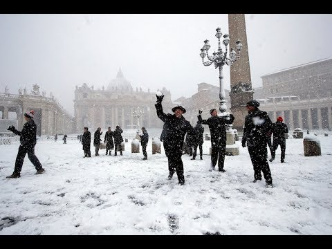 Snow falls on the Vatican, Rome for the first time in decades