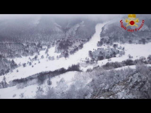 """Италия: из снежного плена в отеле """"Ригопьяно"""" спасены 5 человек"""