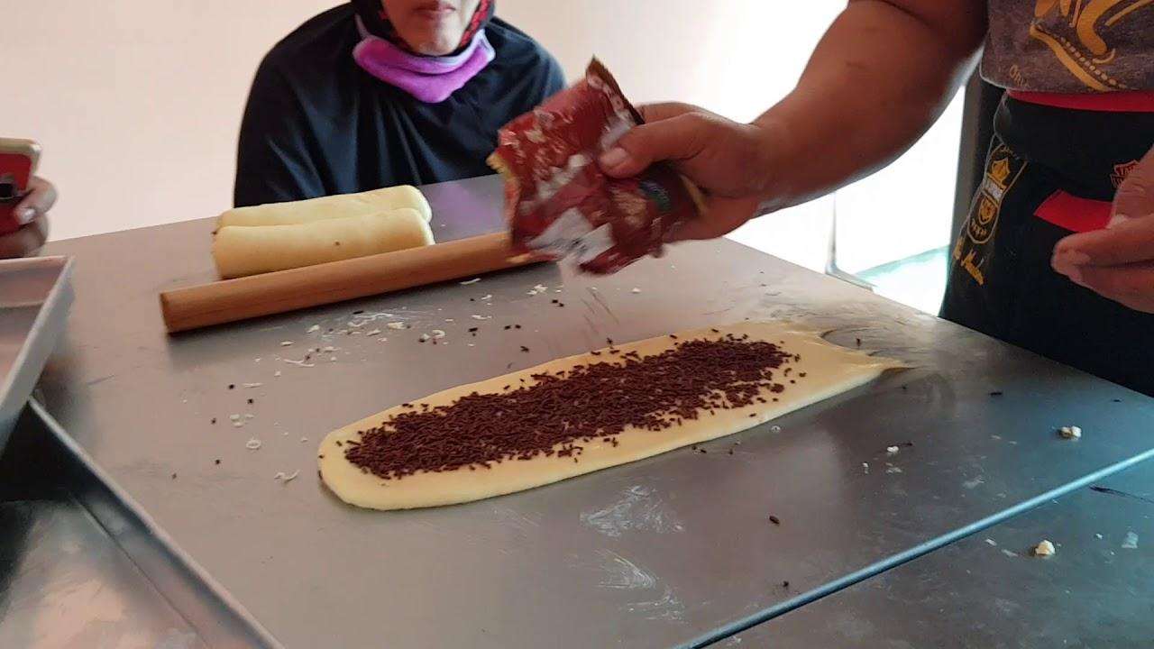 Cara membuat roti kepang - YouTube
