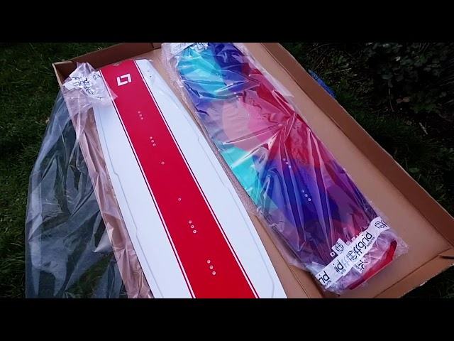 Unboxing OFF GRID SPORTS Flare and Riptide kitesurfing kiteboards