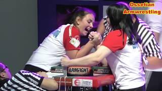видео Чемпионы в армрестлинге