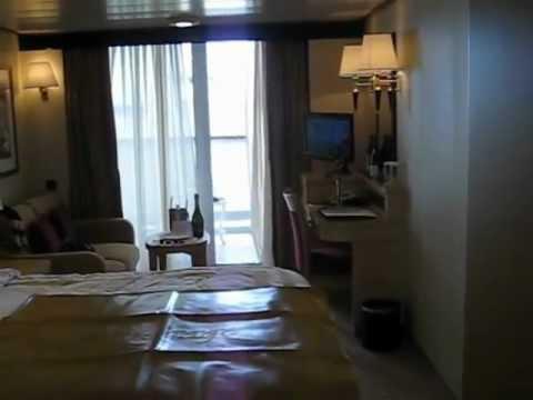 Queen elizabeth britannia club aa cabin no 8058 glass for Queen elizabeth balcony