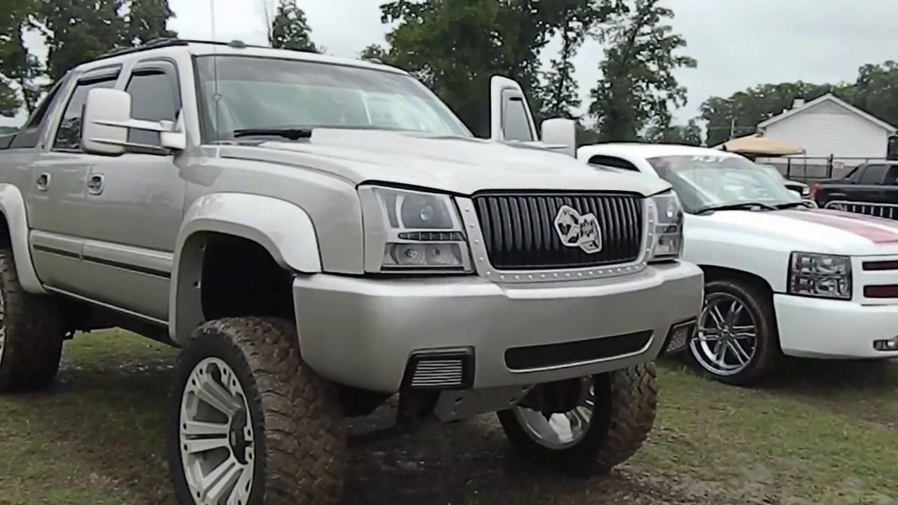 Avalanche 2002 chevy avalanche lift kit : Custom Lifted Chevy Avalanche (Part 2) Showfest 2014 - YouTube